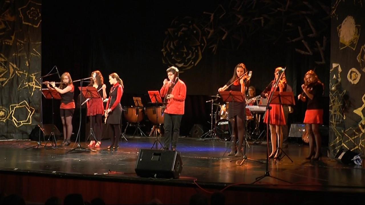 Vánoční koncert ZUŠ Ostrov v Domě kultury