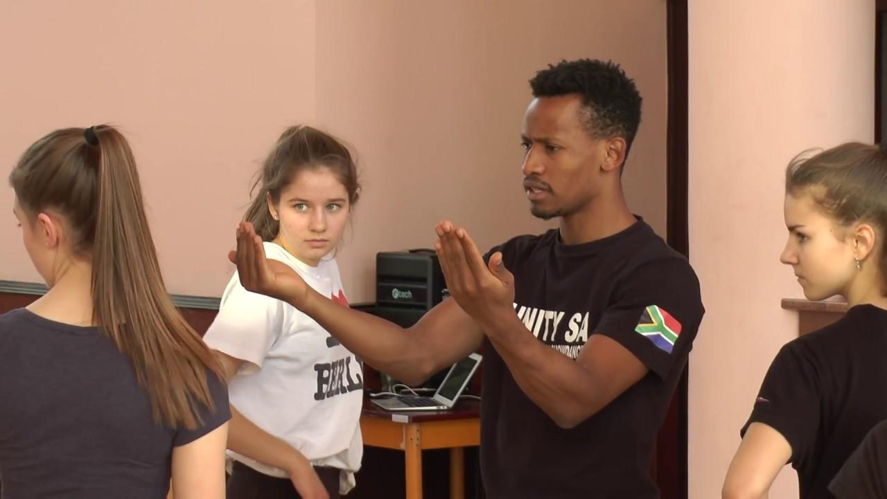 Tanečnice skupiny Mirákl se zúčastnily zajímavého workshopu
